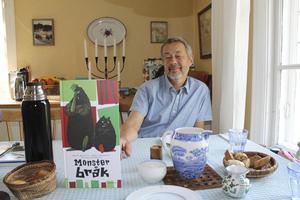 """""""Monsterbråk"""" är sjunde Monsterboken. En åttonde är på gång. Den 15 augusti fyller Kalle Güettler 65 år."""