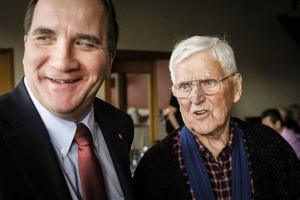 Partiledare Stefan Löfven (S) träffade trogne medlemmen Ingmar Fredriksson från Järpen när S-distriktet hade kongress i Åre i helgen.