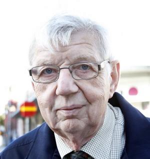 Stellan Wedin, 70 år, pensionär, Gävle.– Jag tror att det är missnöjesyttringar. Sedan har de lyckats profilera sig på sina tre huvudfrågor, invandrarfrågor, äldrefrågor och brottsbekämpning.