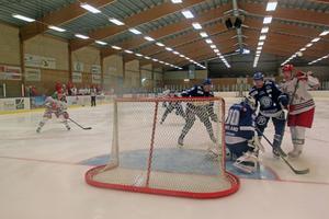 För fjärde året i rad spelade Mora och Leksand en träningsmatch i Älvdalen.
