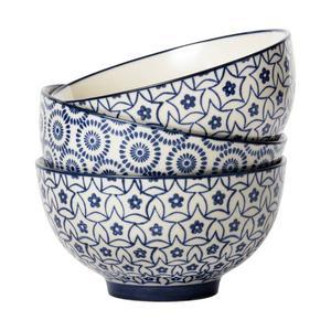 Handmålad skål med cirkelmönster, 13,5 centimeter    i diameter. Kostar 69 kronor och finns på Åhléns.