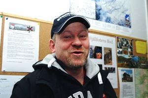 Joakim Reineke tituleras platschef och är ägarnas man på plats i Bydalen sedan i september i fjol. Han har full huggning på nya jobbet.