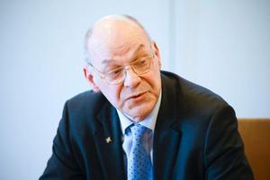 Svante Lönnbark slutar som högsta chef för landstinget/regionen efter elva år.