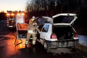 Eldsvådan orsakade stora skador på bilen.