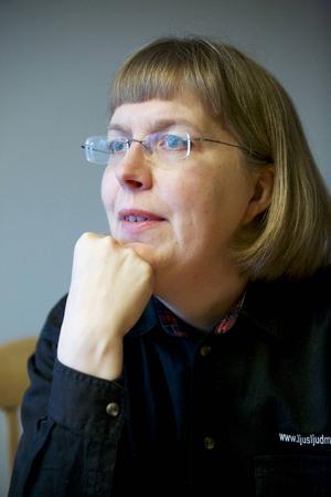 Eva Östling är besviken på stora delar av det politiska etablissemanget.