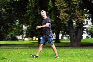 Psykiatrikern Anders Hansen i rörelse – precis som han förespråkar i sin bok