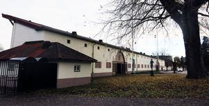 Vid ån – Strömvallen och Konserthuset.