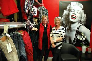 Maggan Strandberg med sin butik Du och Jag går med i ett nätverk av privatägda butiker.