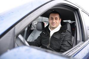 Rami Nasser kunde i går inte parkera på Fisktorget på grund av ett tekniskt fel som gjorde att parkeringsautomaten inte kunde ta emot kortbetalning.