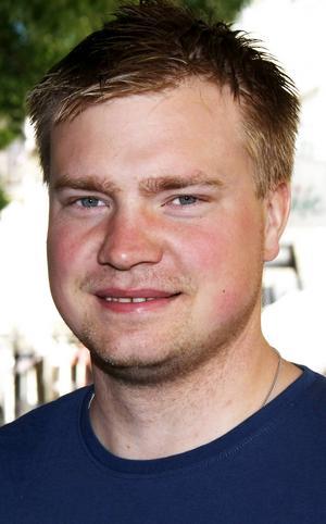 Mikael Eriksson, 30 år, Östersund:   – Nej, det kan jag inte säga att jag gör. Jag är inte så intresserad. Det var trist att Sverige inte var med, då kanske det hade varit annorlunda.