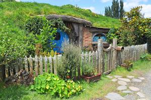 I Matamata kan man spana på hur hobbitarna bor.