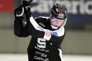 Fredrik Mix och Jonna Igeland lyfter fram Daniel Berlin som hetaste kandidat till att bli årets man i svensk bandy.