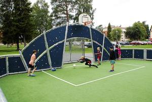 När LT besöker Krokom för att intervjua Göte Norlander finns han i Krokomsparken där Byföreningen arrangerar aktiviteter för sommarlovslediga skolbarn.