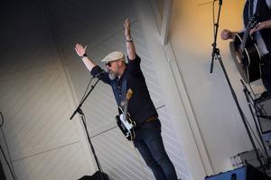 Jocke Blomgren fick publiken att klappa med.
