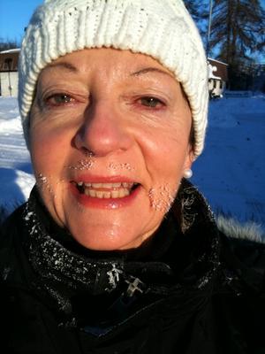Efter en timmes promenad vid minus 15 grader, gjorde Kung Bore sig påmind!