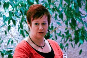 Theres K Agdler berättar hur svenskan förlöste hennes skrivande, trots att hon är uppvuxen med tyska i hemlandet Schweiz. Svenskans fallgropar finns med i hennes kommande roman.