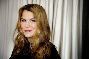 Mia Skäringer kan utses till årets kvinnliga skådespelare på tv-prisgalan Kristallen. Hon är nominerad för sin roll i TV4:s komediserie