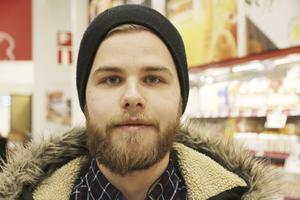 Noah Bergman, 20, student, Centrum: – Så mycket jag kan, bara det inte är för stor prisskillnad. Några kronor är okej men en tia känns väl mycket.