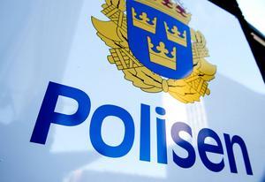 En tidningsutdelare ska ha utsatts för knivhot i Sundsvall.