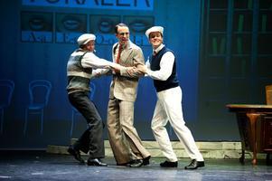 Ett besök hos talpedagogen kan mynna ut i en yster dans. Iallafall i Borlänge Musikteaters uppsättning av Singin' in the Rain som har premiär på Maximteatern i kväll.