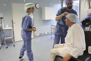 """Klart. Lars Hahne var nöjd med resultatet efter operationen. """"Det blev mycket bättre"""", säger han till Patricia Lövqvist."""
