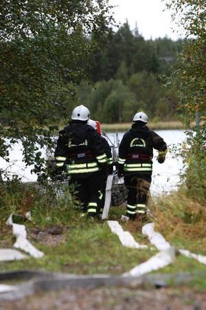 Det är mycket föreberedelser innan räddningstjänsten kan börja jobba. Vattenförsörjningen är en sådan.