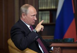 SVT sänder ut Putins desinformation på bästa sändningstid.