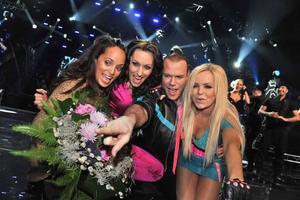 Alcazar lyckades äntligen gå direkt till final i Melodifestivalen och med sig fick de Emilia.