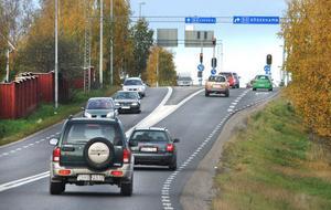 Trafikljusen och rondellerna i Bollnäs är den största tidstjuven längs riksväg 83.