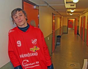 Alexander Zitounis karriär började i Härnösands AIK.