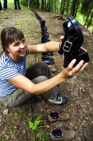Otjänliga? Birgitta Steger frågar sig varför vi slänger fullt användbara skor.
