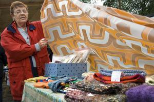Siv Rosén sålde sockor, mössor och grytlappar.