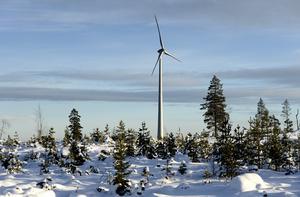Kommunstyrelsen i Malung-Sälens kommun trotsar Försvarsmakten och tänker göra kommunen till en stor vindkraftspark mitt i Sveriges största lågflygningsområde, skriver debattörerna. Foto: TT