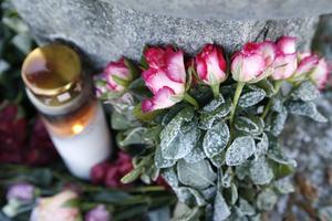 Många sörjer de två kvinnorna som dog efter att ha blivit påkörda i söndags.