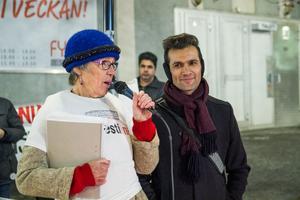 Margareta Sidenvall och  Kristian Rezha Karim medverkade i söndagens manifestation mot asyllagen.