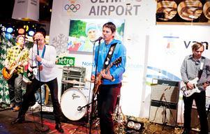 Vid hemkomsten uppträdde OS-bronsmedaljören André Myhrer med sitt band