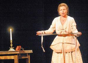 Foto: Anne-Marie NenzellGörel Crona gästar Vansbro med en föreställning om Selma Lagerlöf.