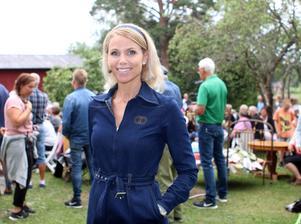 Sofia Rågenklint är Auktionssommars programledare.– Auktioner är något av det roligaste jag vet.