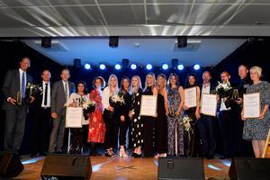 Alla vinnare på årets Guldstege samlades på scenen efter prisutdelningen.