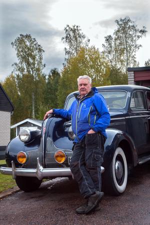 – Det blir några hundra mil varje sommar med Buicken, säger Per Nilsson.
