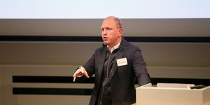 Henrik Henriksson, Scanias vd, talar under Scanias hållbarhetsdag.