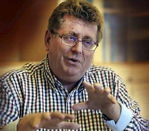 Kommunalrådet Jan Bohman (S) har den föga avundsvärda uppgiften att hantera alla politiska turer runt Kenneth Persson (S).