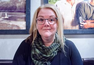 Petra Svensson sökte en samtalsgrupp efter att hon hade blivit utsatt för ett  2015. Hon hittade ingen som hon tyckte passade, därför startade hon en grupp själv i Folkuniversitetets regi. Hon tycker att det är väldigt nyttigt att få utbyta erfarenheter med kvinnor som har liknande erfarenheter.