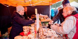 Christina och Hans Åström på Forseds getgård har varit med på höstmarknaden varje år.