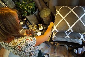 Elin Örnqvist och hennes man Henrik fann sin idyll i Dala-Husby för drygt fyra år sedan. Sedan dess har gården de bor på renoverats och åter renoverats. Det var inte klart att de skulle öppna en butik men när den gamla bagarboden började färdigställas kändes det självklart.