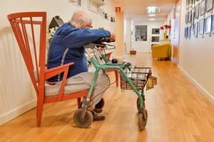 Arbetet med att vårda sjuka och äldre uppskattas ärligt talat oftast först i samband med egen eller närståendes behov av assistans för att klara dagen, skriver signaturen