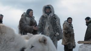 Roald Amundsen (Pål Sverre Hagen) vill komma först till Sydpolen och skyr inga medel i