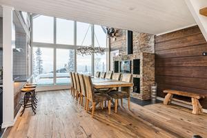Huset i Ottsjö har ett utgångspris på 5,5 miljoner kronor. Foto: Amanda Freskgård