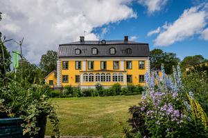 Herrgården har 48 rum, inomhus-pool, spa med mera. Foto: FishEye AB