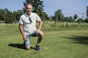 Michael Mattsson, ordförande för Hallstaviks golfklubb, beskriver sabotaget som dumheter.